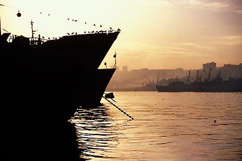 image 2-751-53 Russia, Vladivostok, Vladivostok Harbor