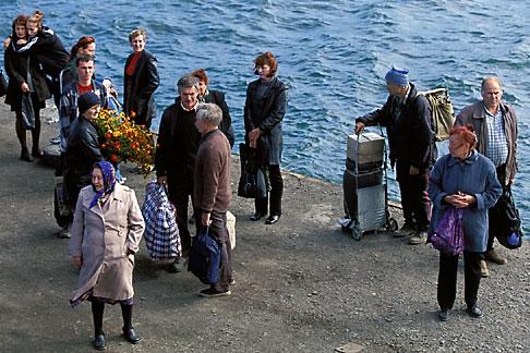 image 2-752-57 Russia, Vladivostok, Popov Island, meeting the ferry