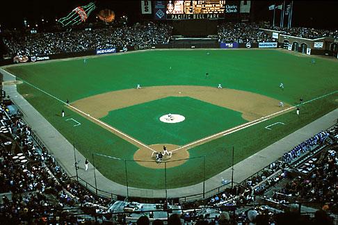 image 1-691-32 California, San Francisco, SBC Park, Barry Bonds 72nd home run, 10/5/01
