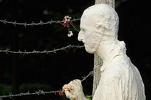 image 3-1014-20 California, San Francisco, Holocaust Memorial, George Segal, 1984