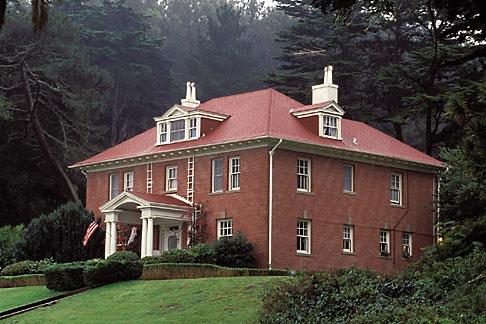 image 4-527-14 California, San Francisco, Officers home, Presidio, GGNRA