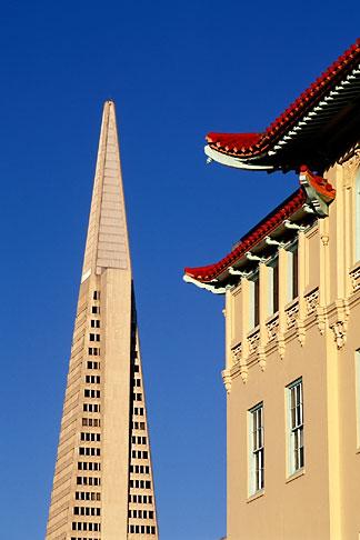 image 8-419-25 California, San Francisco, Transamerica building from Chinatown