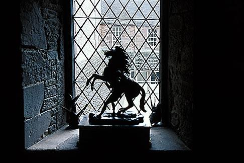 image 1-521-58 Scotland, Angus, Glamis Castle, lion statue