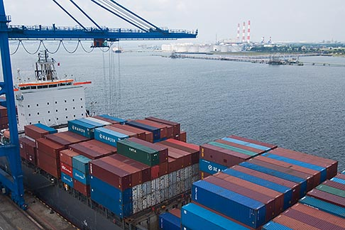 image 7-678-5860 Shipping, Container ship in port with crane and containers