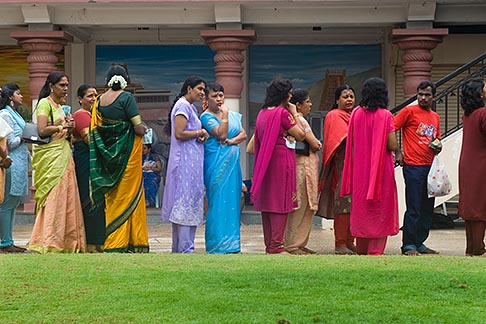 image 7-680-8681 Singapore, Sri Mariamman Temple, Men and woman waiting for blessing