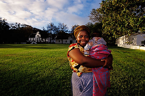 image 1-422-47 South Africa, Stellenbosch, Xhosa Mother with child