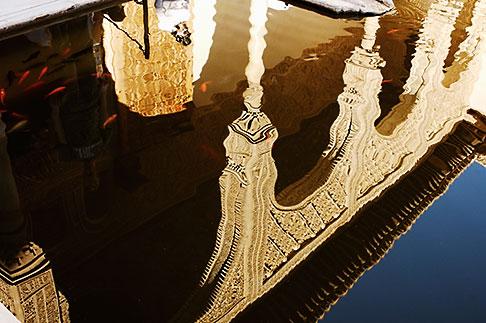 image S4-540-9780 Spain, Granada, Reflection, Palacio Nazaries, The Alhambra