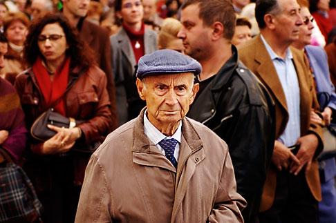 image S4-545-720 Spain, Madrid, Man in crowd