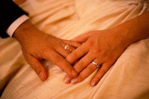 8-509-80  stock photo of Weddings, Bride and groom, hands and rings