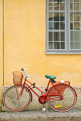 image 5-700-2031 Sweden, Goteborg, Bicycle leaning against wall
