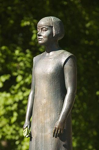 image 5-700-4669 Sweden, Goteborg, Sculpture