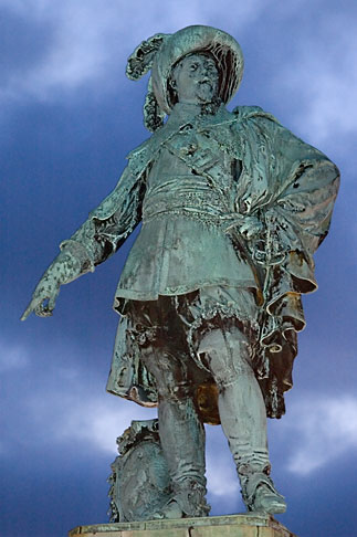 image 5-700-5865 Sweden, Goteborg, Statue of King Gustav Adolf
