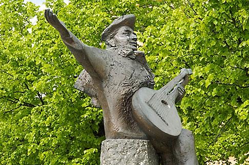 image 5-720-2656 Sweden, Stockholm, Riddarholmen, Statue of Evert Taube