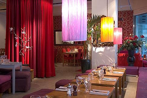 image 5-720-4334 Sweden, Stockholm, Grill restaurant