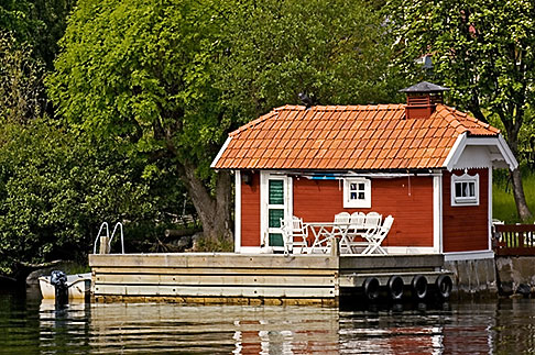 image 5-730-6613 Sweden, Grinda Island, Boathouse