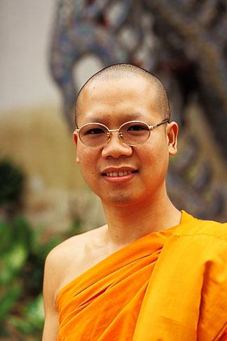 image 0-362-14 Thailand, Chiang Mai, Monk