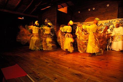 image 8-34-6 Tobago, Dancers Arnos Vale