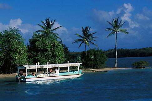 image 8-41-23 Tobago, Pleasure boat at the beach