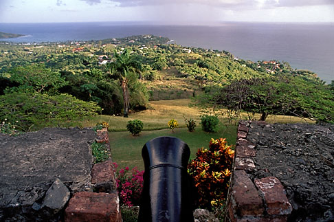 image 8-5-1 Tobago, Scarborough, Fort George, overlooking the sea