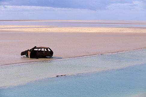 image 3-1100-21 Tunisia, Chott el Jerid, Abandoned car