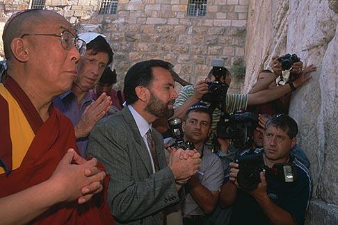 image 9-340-18 Israel, Jerusalem, Dalai Lama and Rabbi David Rosen at Western Wall