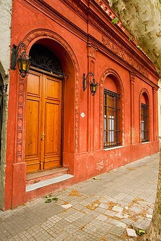 image 8-802-4400 Uruguay, Colonia del Sacramento, Historic Quarter, cobbled street
