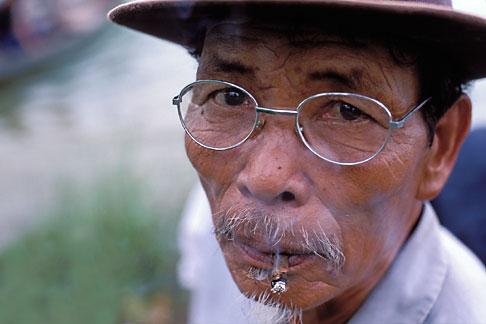 image S3-194-15 Vietnam, Hoi An, Man smoking