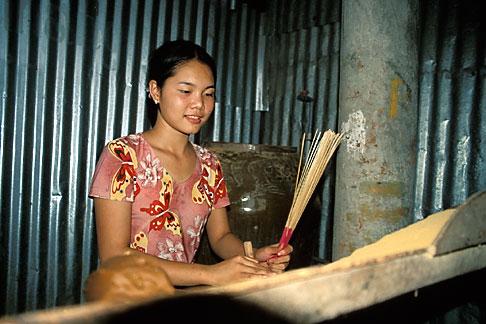 image S3-196-4 Vietnam, Mekong Delta, Making Incense