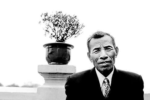image S3-197-2 Vietnam, Hanoi, Portrait