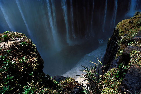 image 7-396-8 Zimbabwe, Victoria Falls, Rainbow Falls and river bottom